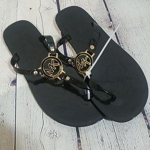 NEW MICHAEL MICHAEL KORS 9M sandals, $65